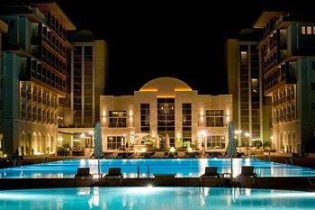 هتل رادیسون بلو چشمه